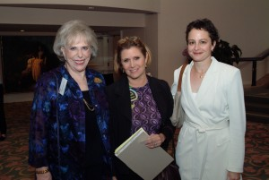 Dr. Leader, Carrie Fisher & former Teen Line listener Nina Jacobson at the 2004 Luncheon.